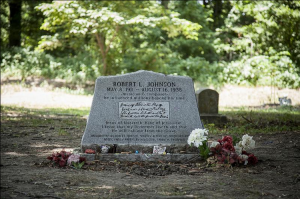 American Made Movie Visits the Grave of Robert Johnson_2